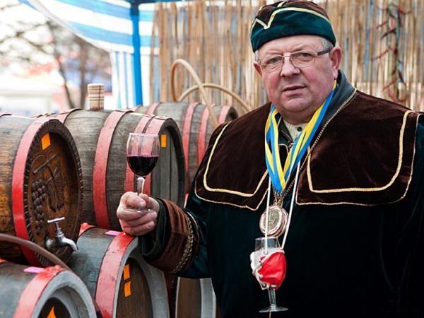Біле вино фестиваль в Берегові