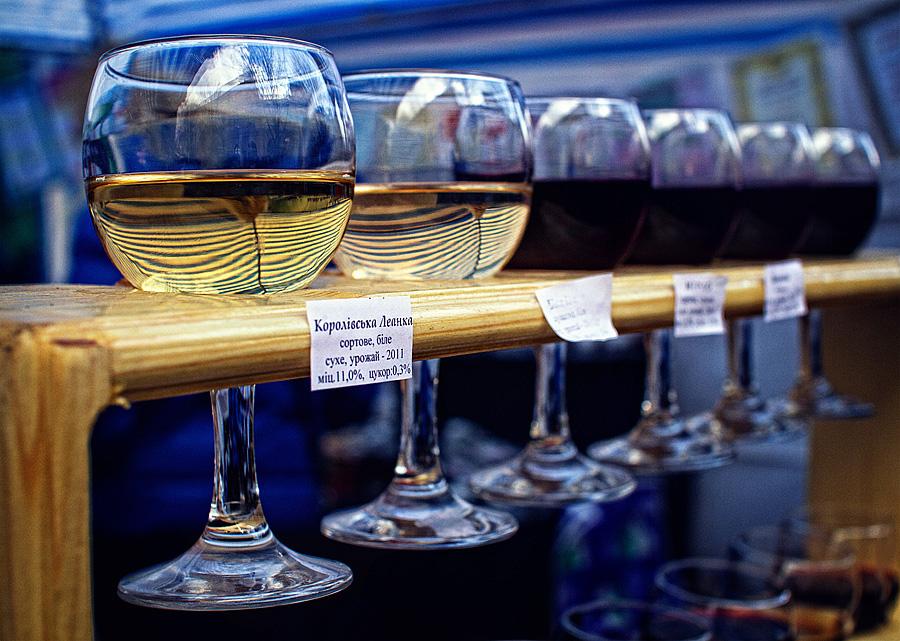 бокали вина Мукачево